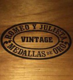Romeo y Julieta Vintage #5