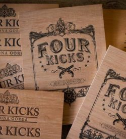 Four Kicks Robusto Extra